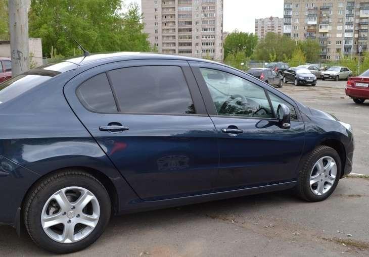 Аренда автомобиля Пежо 408